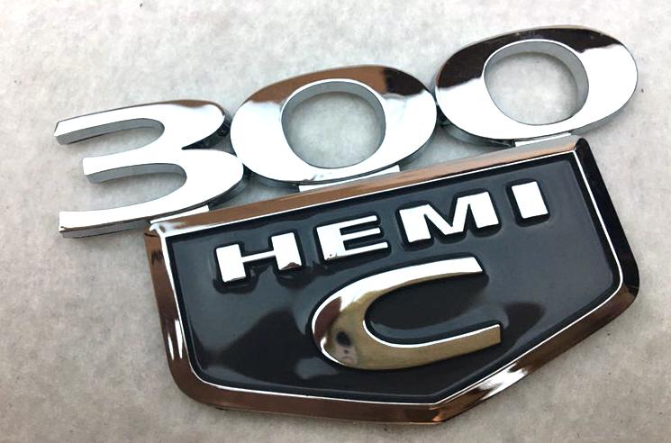 Emblemat na błotnik 300C HEMI